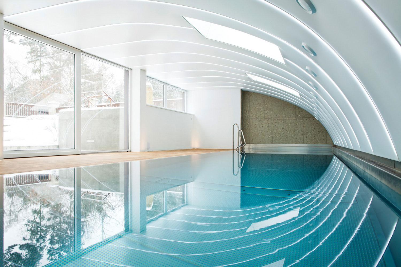 Fotografie architektury Vila Klanovice s bazenem, fotograf Roman Mlejnek