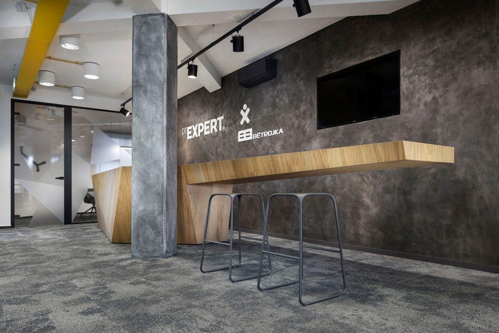 Prostory kancelari DT-Expert navrhnute architekty Labor13, fotograf Roman Mlejnek