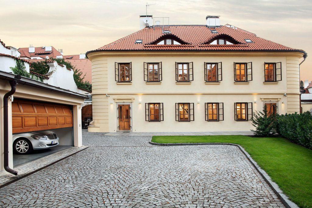 Interiery a exteriery domu na prazske Kampe, fotograf architektury Roman Mlejnek