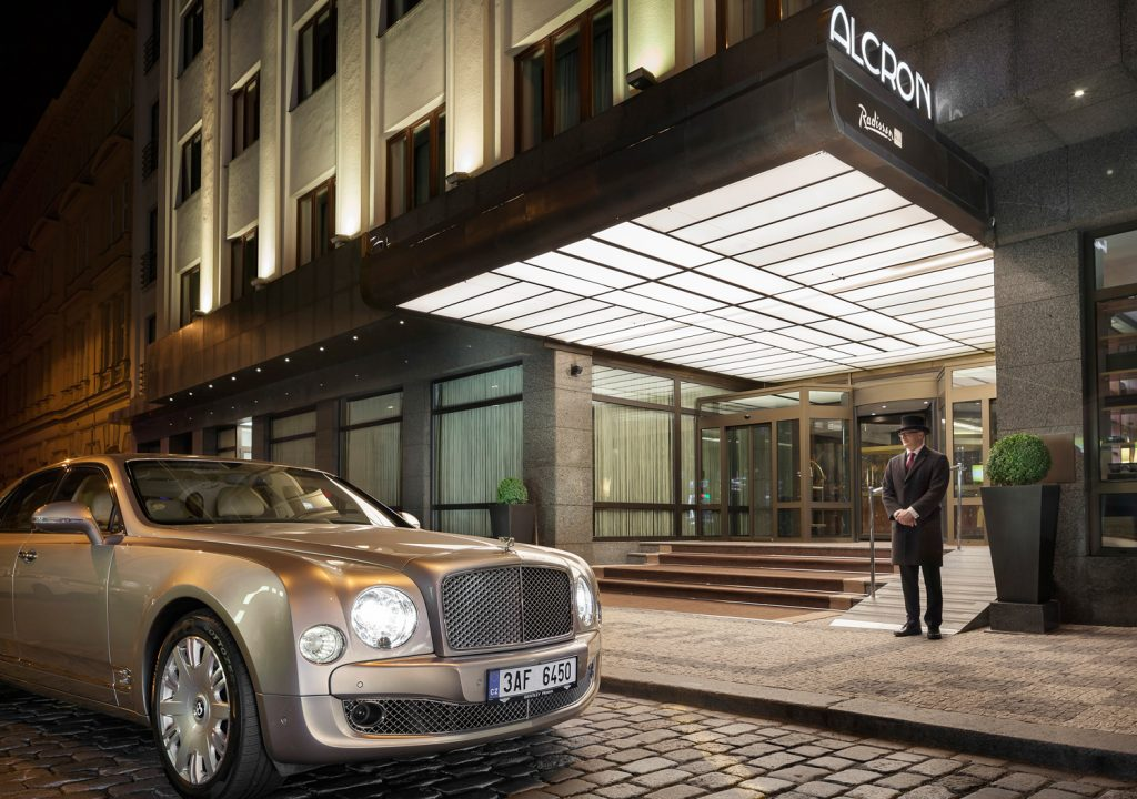 Exterier hotelu Alcron Praha, fotograf Roman Mlejnek