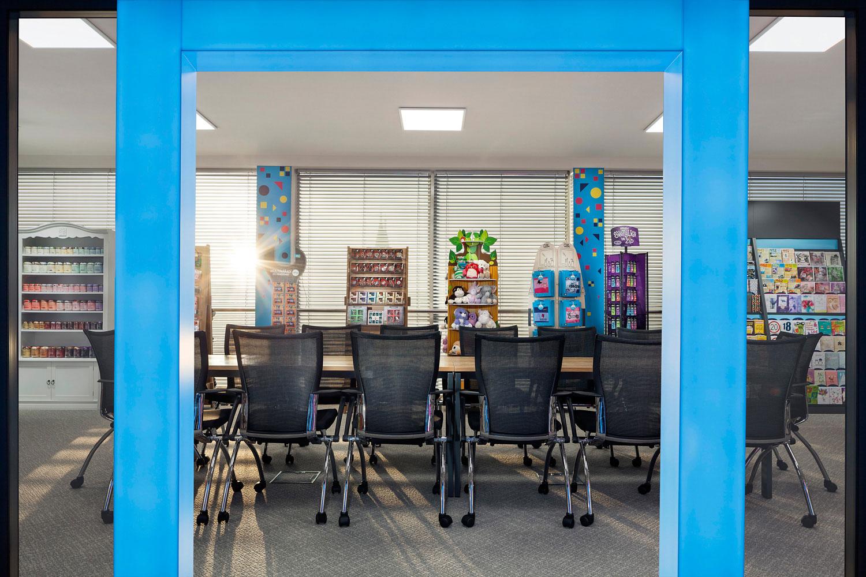 Interiery kancelari firmy Albi, design Diveris, fotograf Roman Mlejnek