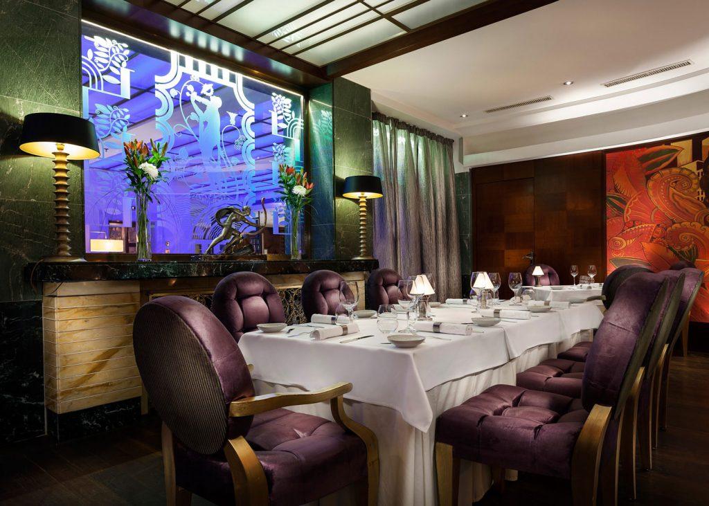 Interiery hotelove restaurace Alcron, fotograf Roman Mlejnek