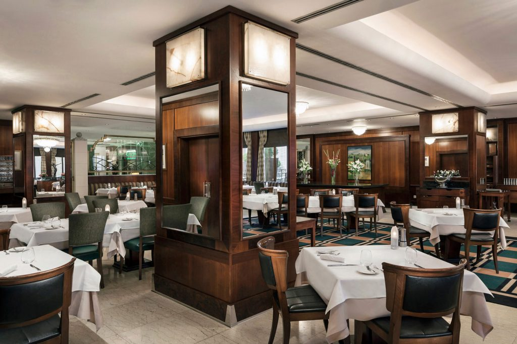 Interiery hotelove restaurace La Rotonde v Praze, fotograf Roman Mlejnek