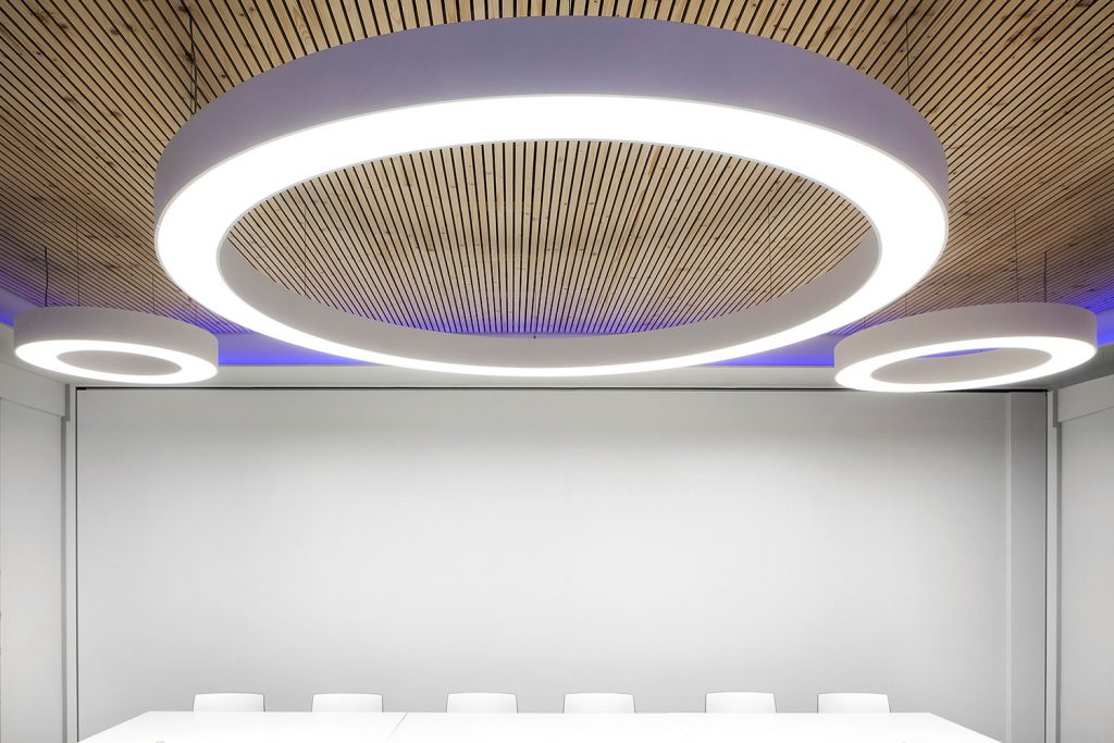 Interiery kancelarske budovy Palac Karlin, Albi, Rohlik, Webhelp, fotograf Roman Mlejnek