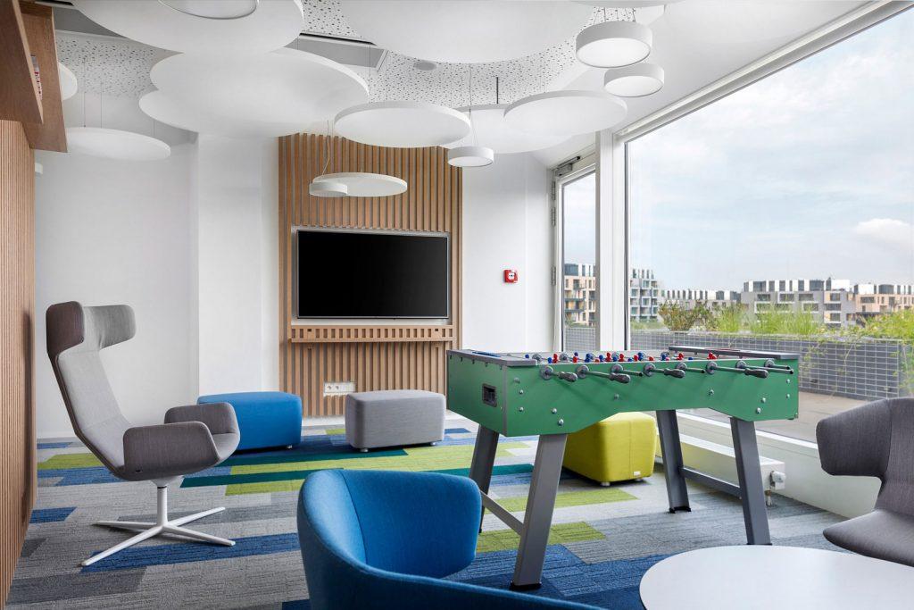 Interiery kancelari Saint Gobain od architektu Labor13, fotograf Roman Mlejnek