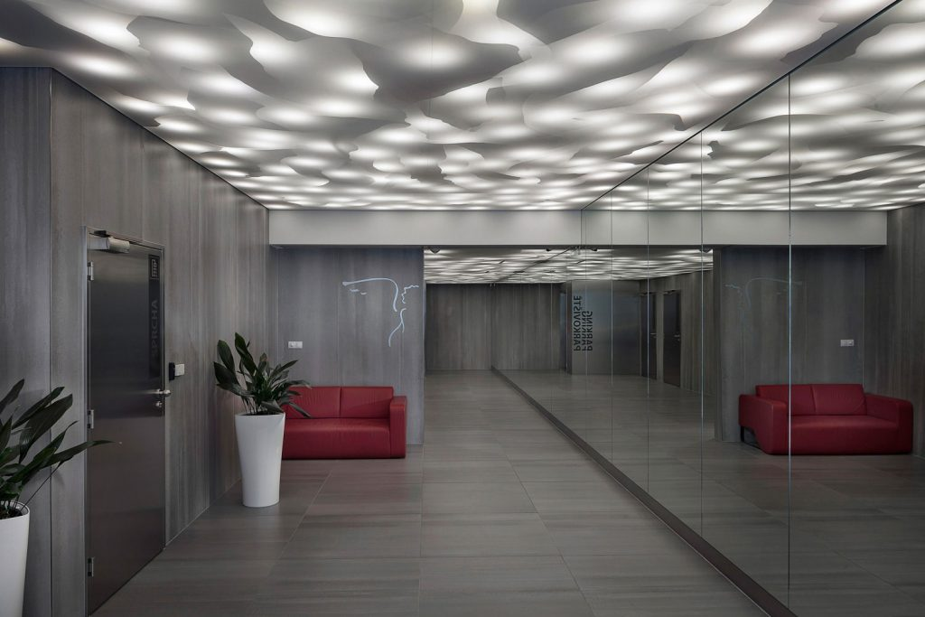 Fotograf interieru Roman Mlejnek, recepce Zlaty Andel s Barrisol systemem.