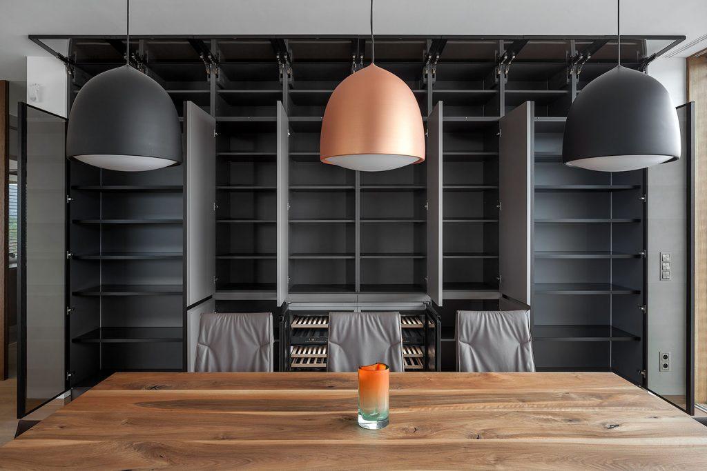 ulozny prostor v obyvacim pokoji
