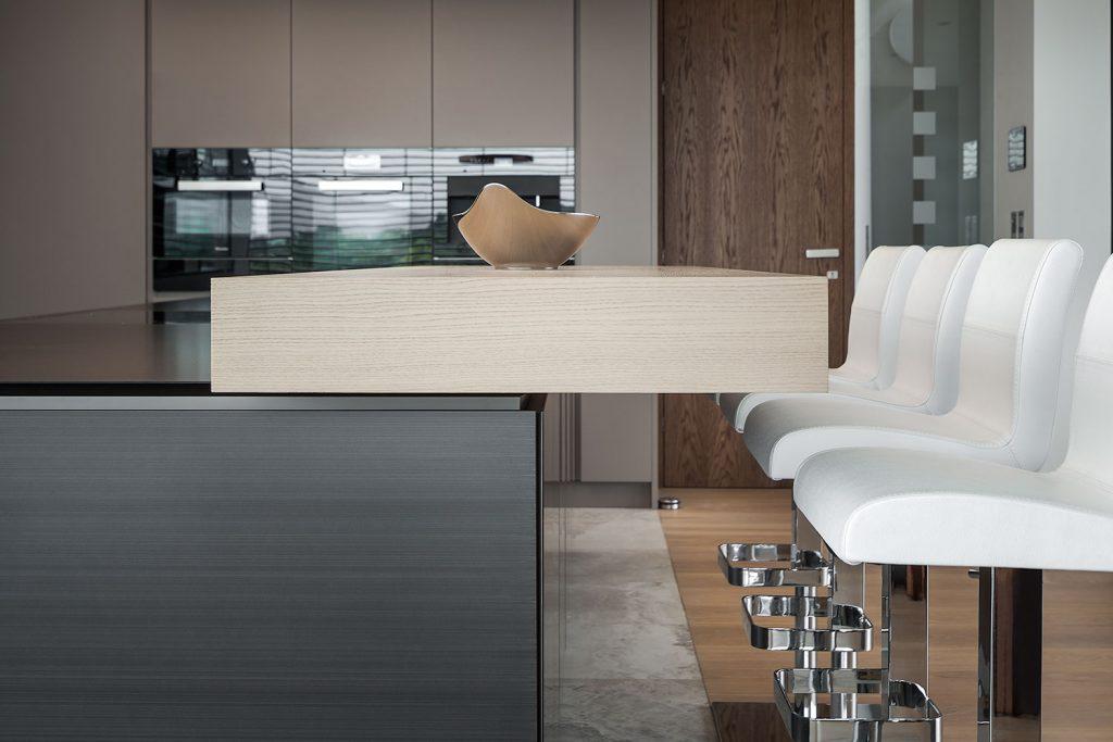 detail kuchyne ve vile