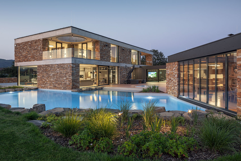 Fotograf architektury Roman Mlejnek, vila s bazenem