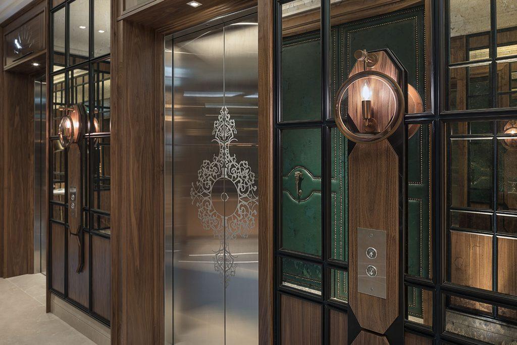 Vytahove lobby se svitidlem Preciosa Lighting v Londyne
