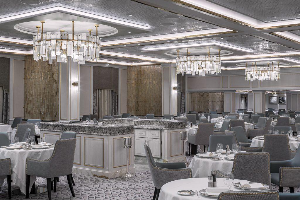 Dining room Seven Seas Splendor cruise with Preciosa chandeliers