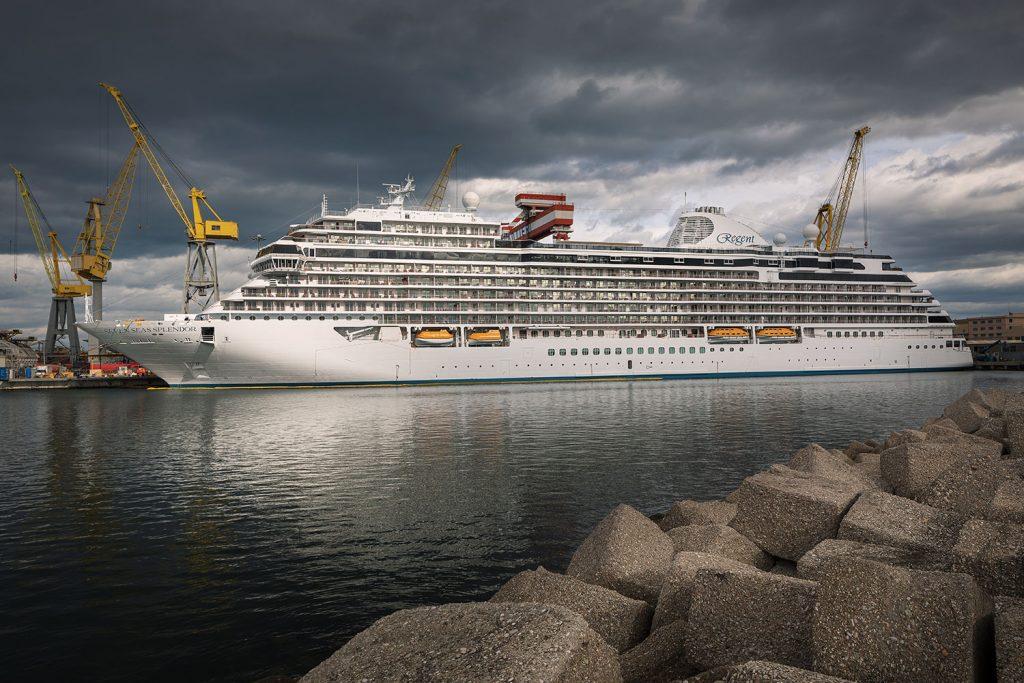 Regent Seven Seas Splendor ocean ship photographed by Roman Mlejnek