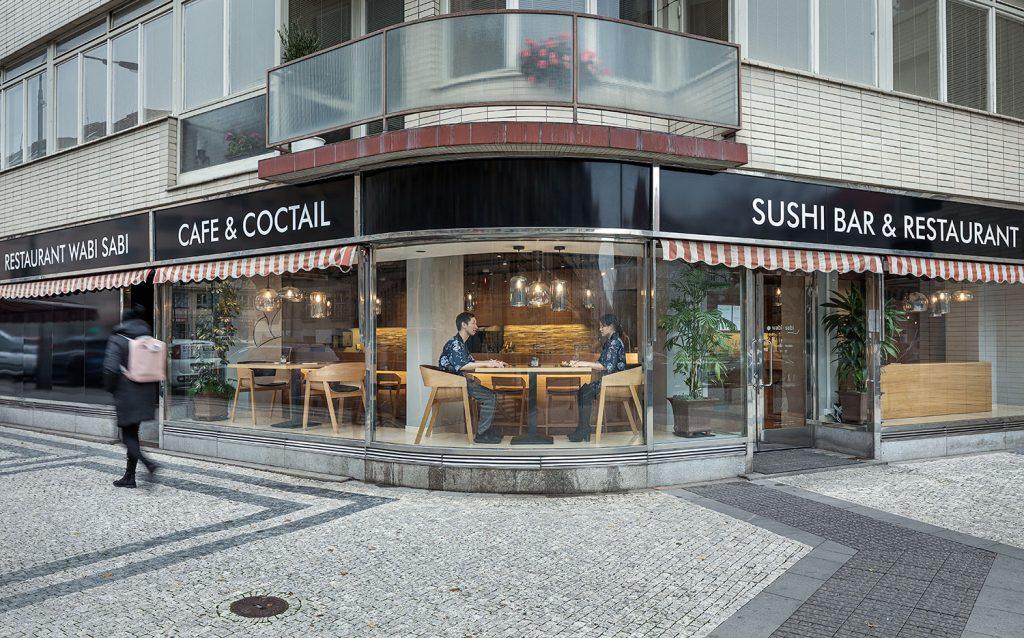 Sushi bar Wabi Sabi v japonske restauraci v Dejvicich Praha